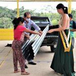 Municipio de Nangaritza entregó materiales para la crianza de pollos