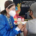 En la Zona 7 se vacuna a estudiantes de 12 a 15 años