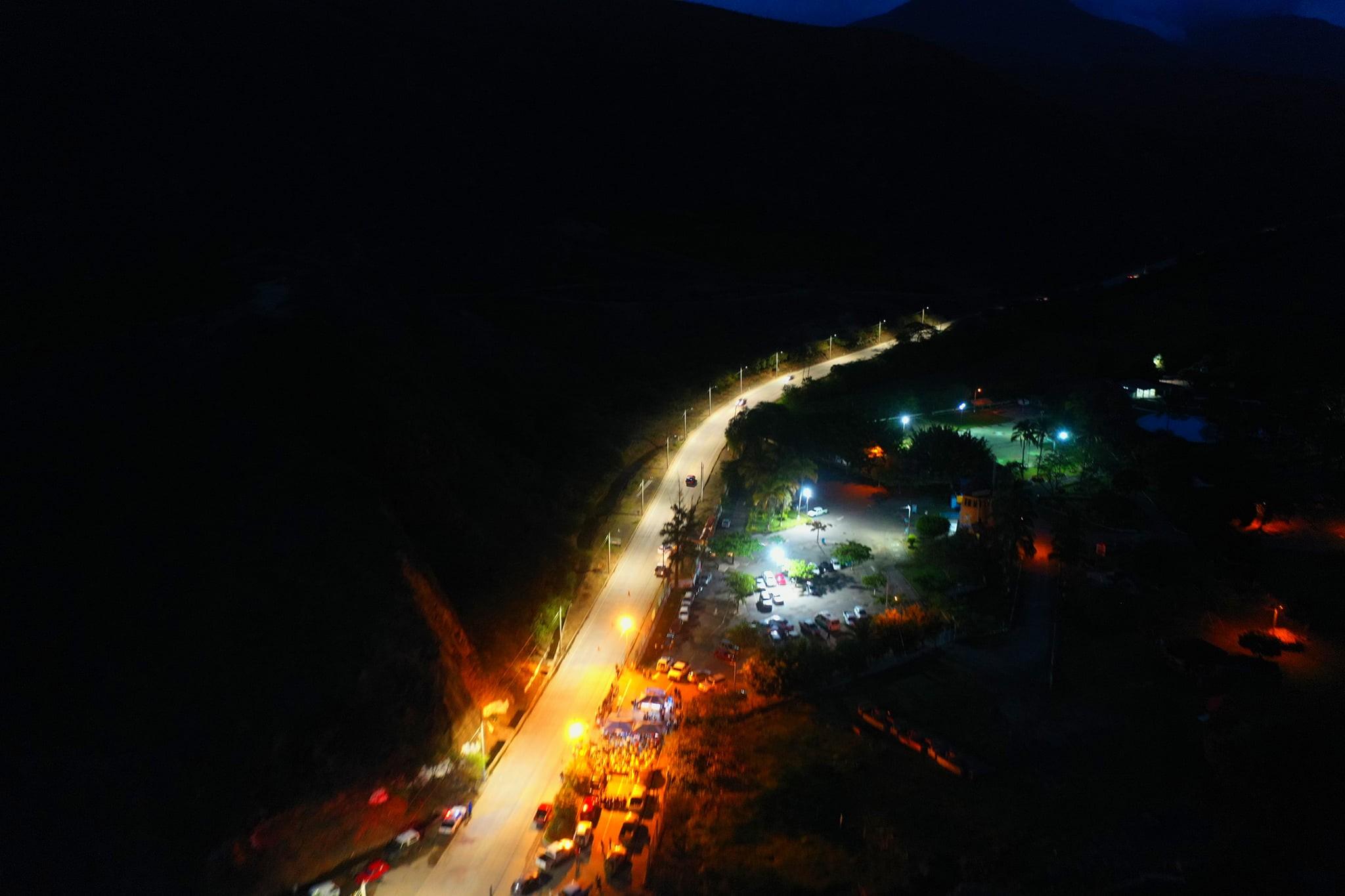 Entregan obra de alumbrado público en Catamayo